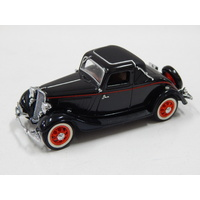 1:43 1933 Ford V8 Coupe (Coach Maroon)