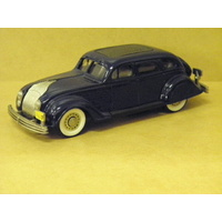 1:43 1934 CHRYSLER AIRFLOW 4 DOOR SEDAN