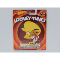 1:64 Customized C3500 - Looney Tunes - Made in Malaysia