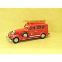 1:43 1933 CADILLAC FIRE ENGINE (RED)