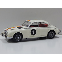 1:18 Jaguar Mark 2 3.8 - 1962 ATCC Winner (Bob Jane) #1