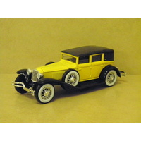 1:43 1929 CORD L 29 (YELLOW AND BLACK)