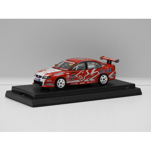 1:64 HOLDEN VZ COMMODORE HRT (T.KELLY) 2005 #22