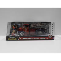 "1:24 1952 Chevy Coe Pickup with Figurine ""Wonder Woman"""