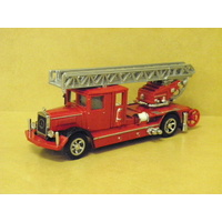 1:43 1932 MERCEDES BENZ LADDER TRUCK (RED)