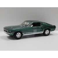 1:18 1967 Ford Mustang GTA Fastback (Green)