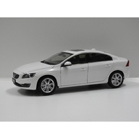 1:18 2015 Volvo S60 (Crystal White Pearl)