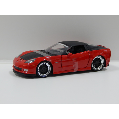 1:24 2006 Corvette Z06 (Red and Black)